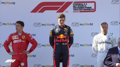 F1, Verstappen beffa Leclerc nel finale e vince il GP d'Austria