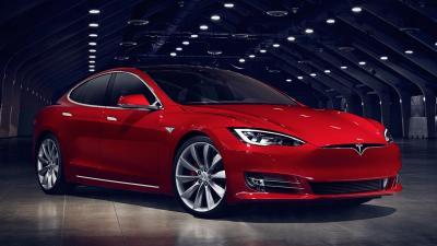 """Tesla Model S P100D: a libretto dichiara """"SOLO"""" 158 kW di potenza"""