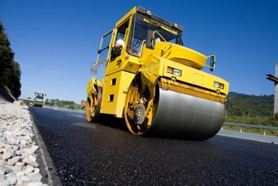 Manutenzione strade: il bitume inizia a scarseggiare