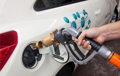 Rifornimento self-service metano: si può o non si può?