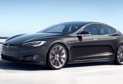 Tesla: un aggiornamento rende più sportive le sospensioni