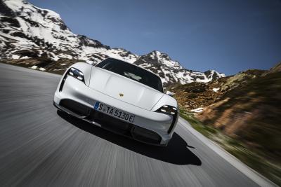 Finalmente è arrivata la Porsche Taycan