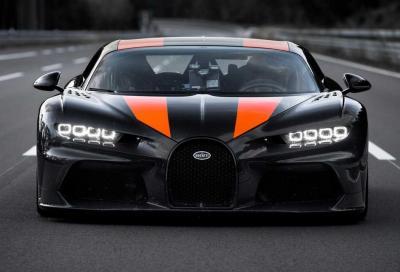 Bugatti Chiron, record di velocità: a 447 km/h Andy Wallace se l'è vista brutta