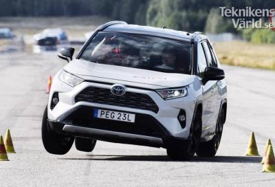 Toyota Rav4 Hybrid 2019: il test dell'alce non sembra il suo forte