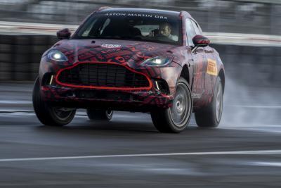 Aston Martin DBX entra nella fase finale di sviluppo