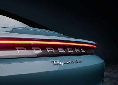 Porsche amplia la gamma Taycan con la 4S