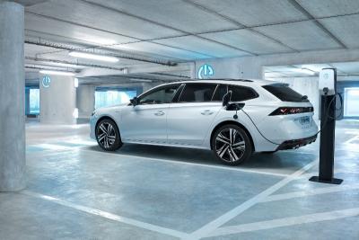 Peugeot svela i prezzi delle 508 e 3008 plug-in hybrid