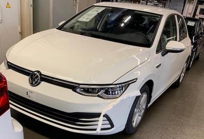 Volkswagen Golf 8: apparse nuove foto senza veli in attesa del debutto
