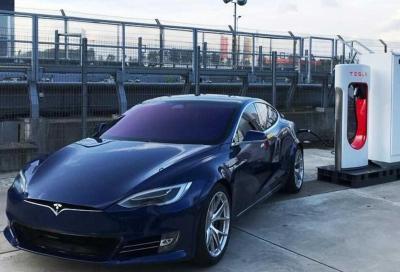 Tesla Model S: al Nurburgring con novità tecniche