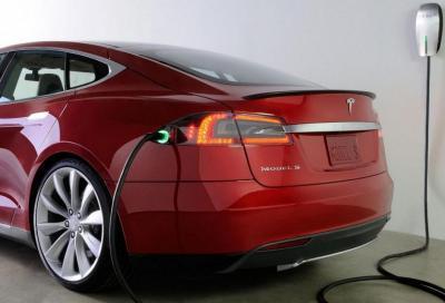Tesla: i vecchi modelli faticano a ricaricarsi