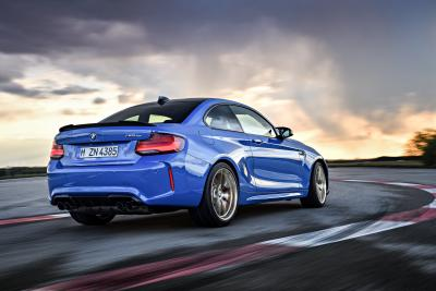 BMW alza l'asticella con la M2 CS
