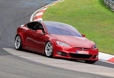 Tesla Model S+ Plaid: folgora il Nurburgring in 7 minuti e 13 secondi