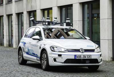 Guida autonoma: Volkswagen punta al 2025