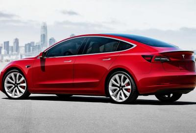 Tesla Model 3 Performance vs Toyota Supra: chi detta legge nel quarto di miglio?
