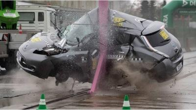 Nissan Leaf: il crash test è da togliere il fiato