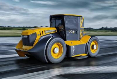 JCB Fastrac 8000: il trattore da oltre 200 km/h
