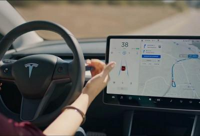 Tesla Autopilot: un video ritrae una Model 3 in azione