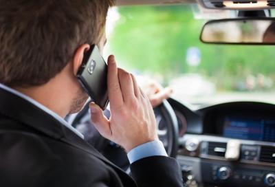 Smartphone alla guida? Occhio alle telecamere intelligenti