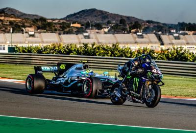 Hamilton sulla MotoGP, Rossi guida la Mercedes F1: ecco com'è andata!