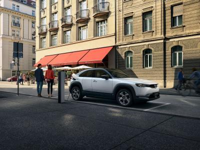 Mazda MX-30: svelato il prezzo per l'Italia