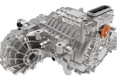Auto elettriche: come abbatto i costi dei propulsori?