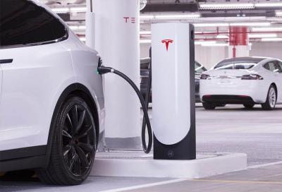 Tesla Supercharger: diverso calcolo dei kWh in fase di ricarica