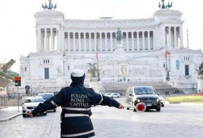 Blocchi del traffico Roma: la sindaca Raggi convoca i saggi