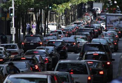 Traffico auto: snellirlo si può, con un modello matematico