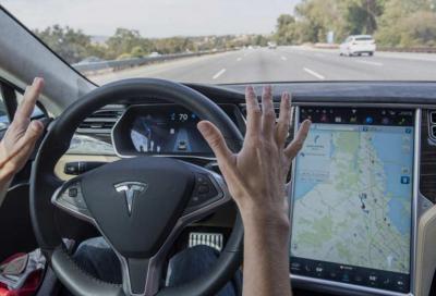 Tesla usata? Meglio controllare il sistema Autopilot