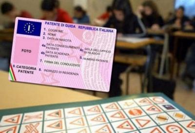 Coronavirus: sospesi anche gli esami della patente
