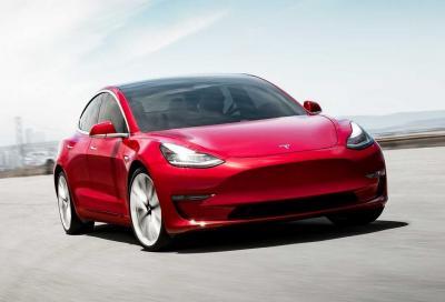 Tesla Model 3: ora percorre fino a 560 chilometri