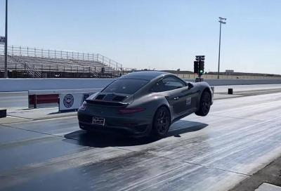 Porsche 911 Turbo S: l'impennata in partenza è dietro l'angolo