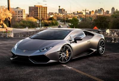 Lamborghini Huracan: ora la si può avere con il cambio manuale