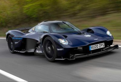 Aston Martin Valkyrie: avviati i test su strada dell'hypercar da 1.176 CV, 900 Nm e 11.100 giri/min