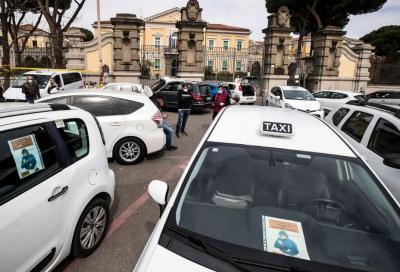 Coronavirus: in taxi al massimo 2 passeggeri