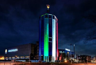 Maserati: il Tricolore sulla Torre di Modena