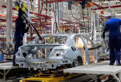 Coronavirus, auto: a rischio 30.000 posti di lavoro del settore automotive