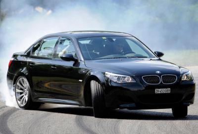 Lexus LFA vs Bmw M5 (E60) V10: la sfida è sul pentagramma