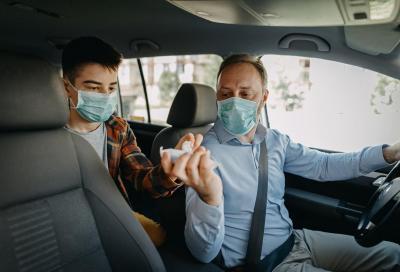 Coronavirus, Fase 2: in auto quanti passeggeri e con quali regole?