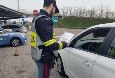 Mascherina e autocertificazione alla guida: quando si e quando no?