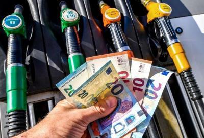 Carburanti: per lo Stato il lockdown vale 7 miliardi