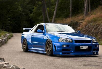 Nissan Skyline GT-R R34: provate a prenderla