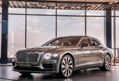 Bentley Flying Spur: il lusso viaggia veloce