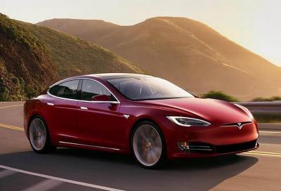 Tesla: problemi per 63.000 Model S