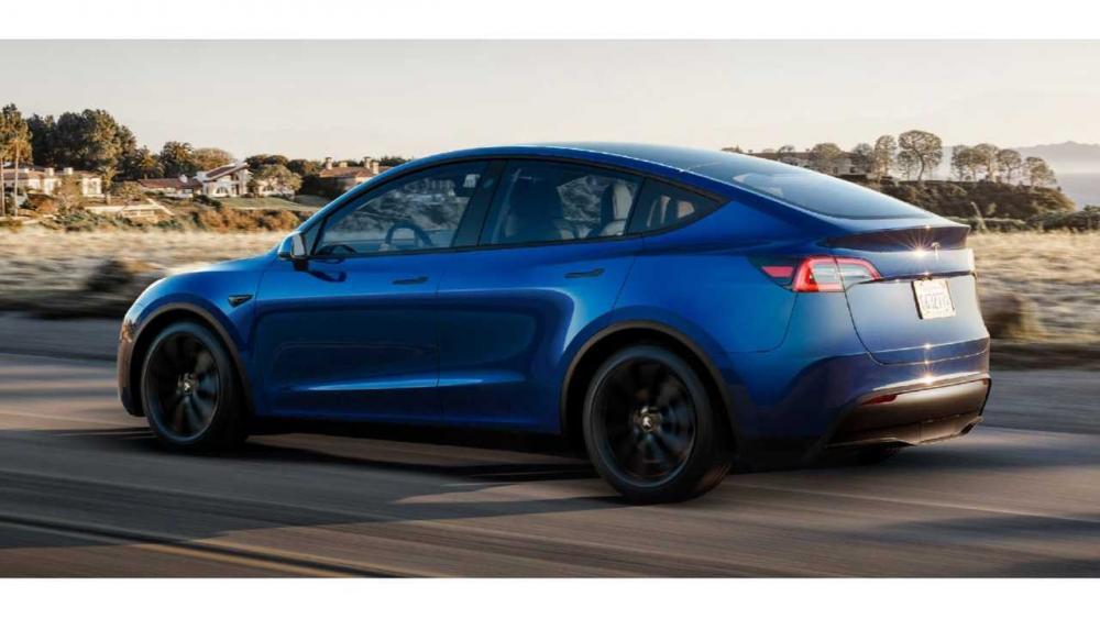 Tesla Model Y: quanti chilometri percorre a velocità ...