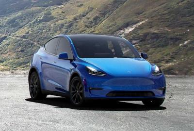 Tesla Model Y: quanti chilometri percorre a velocità costante?