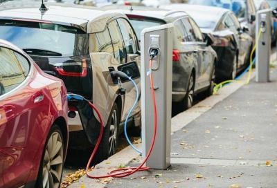 Auto elettriche: Europa pronta a investire in Italia