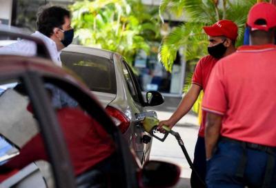 Carburanti: crollano i consumi e gli incassi dello Stato