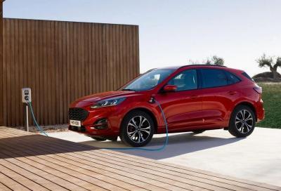 Ford Kuga Ibrida Plug-In: occhio agli incendi