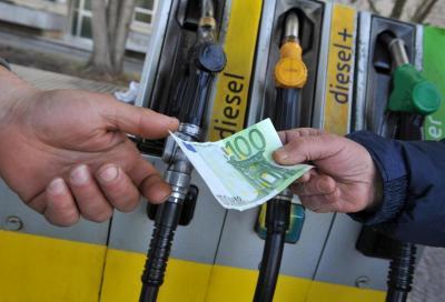 Carburanti: il gasolio potrebbe presto costare come la benzina